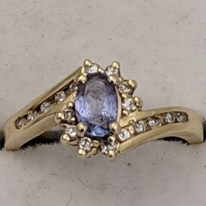 Jewelry - 10k Gold Amethyst & Diamond Ring